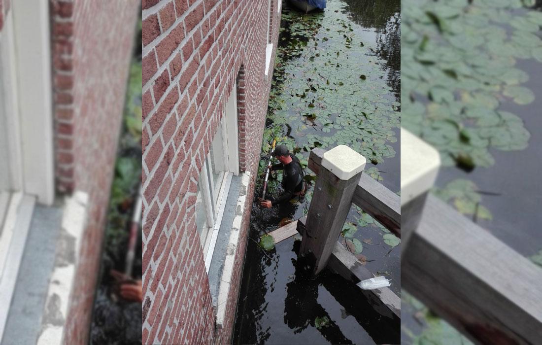 steiger opbouwen vanuit het water